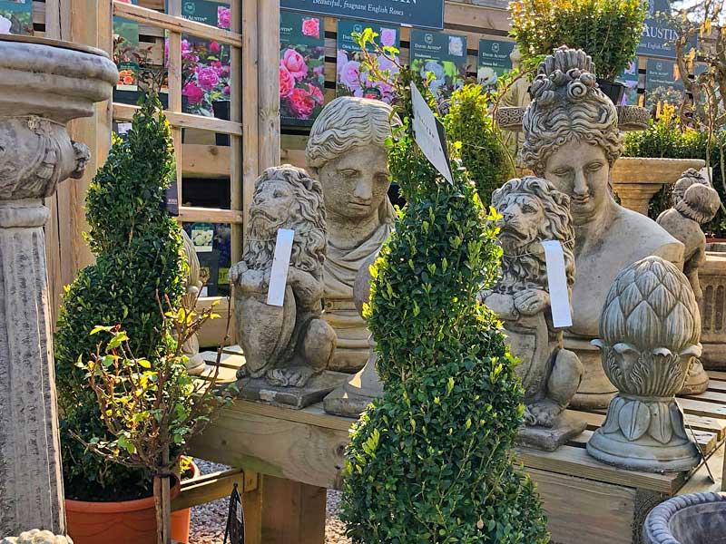 Garden Pots & Ornaments